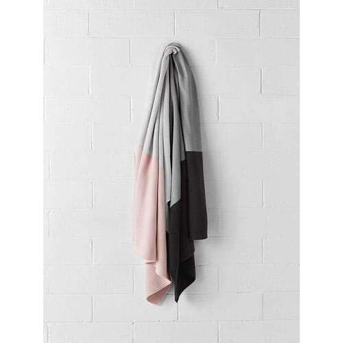 Aura Home Quatro Throw - Pearl Blush